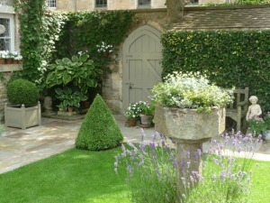 Burford's Secret Gardens