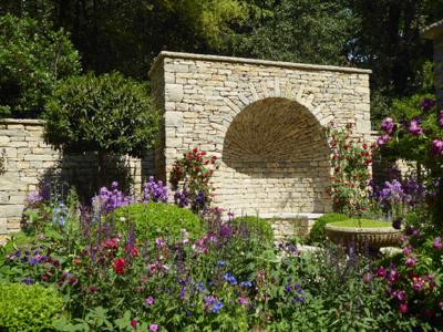A Very English Garden